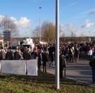 Des manifestations contre la destruction des barrages de Vezins et de la Roche-qui-Boit..