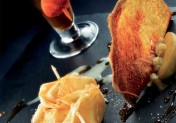 Aumônière de crêpe et son flambé de pommes du verger normand